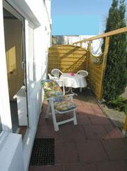 Ferienapartement mit Terrasse, Küche und Bad am Cuxhavener Sandstrand