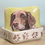 mini-urn-duitse-staande-hond-asbewaardoosje-duitse-staande-hond-asdoosje-duitse-staande-hond-gedenkdoosje-duitse-staande-hond-herinneringsdoosjes-koester-doosje-hond-duitse-staander-koester-doosjes-maatwerk-urnen-maatwerk-urn-dier-urn-laten-maken-hond-urn