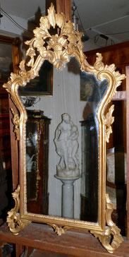 Barocker Historismus Spiege,l Holz geschnitzt, vergoldet, 110 x 56,5 cm, € 1100,00
