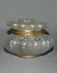 Biedermeier Glasdose, Emaillmalerei, Messingmontur, , € 55,00