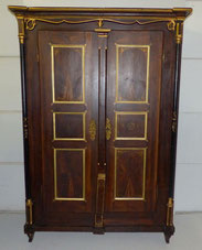 Bemalter Bauernschrank, Klassiszismus, goldstaffiert,Furniermalerei, Säulen , € 1500,00