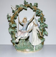 "Lladro Figur ""Girls in the swing"" by Salvador Debón, 70er Jahre,Spain, 39,0 cm , € 2200,00"