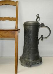 Riesige Zinn Kanne, Weinkanne, auf Engelsfüßen, 64,5 cm, 9,8 kg,, € 635,00