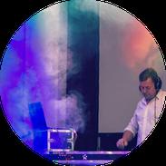 Berliner DJ Christian Adam am Mischpult