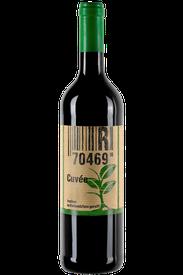 Flasche vom Rotwein Cuvée Wein in den Stuttgarter Weinbergen