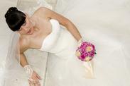 mueden.de, Preisliste, Brautmoden, Bild von Frau im Hochzeitskleid