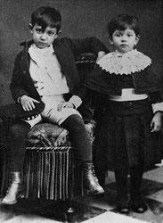 ピカソと妹のローラ。(1889年)