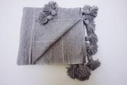 handmade handwoven marokko berber kleed katoen cotton throw blanket pompon sprei