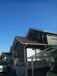 熊本T様家塗装工事完成。グリーン 緑の外壁と茶色・ブラウン屋根に塗替えました。おしゃれです。