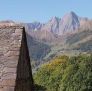 une vue imprenable sur Le massif du Valier depuis les granges de Rouze