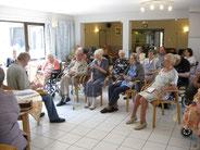 De nombreuses activités permettent de rencontrer d'autres résidents.