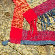 Handgewebte Manteltücher für historische Darstellungen