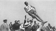 1932 Los Angeles: Johan Oxenstierna (SWE) celebrates victory