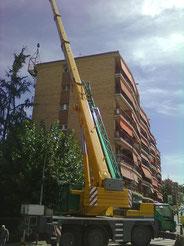 Instalacion en Manresa con grua