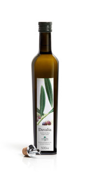 Flasche spanisches Olivenöl Davalia, 100% Arbequina Oliven, extra nativ, kaltgepresst, extra vergine, single estate, natürlich, DO Les Garrigues, Spanien bottle of olive oil extra nativ, extra virgen, cold pressed 100% Arbequina olives natural Spain,500ml