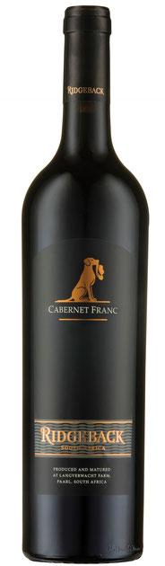 Ridgeback Cabernet Franc – 2014  Der Ridgeback Cabernet Franc 2013 hat in der Nase und am Gaumenintensive Aromen nach Cassis, dunklen Pflaumen und ein Hauch Minze. Ein eleganter Wein mit festen Tanninen und würzigen Holzaromen.