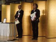 『終の信託』で三浦賞を受賞した寺田緑郎カメラマンと一緒に。