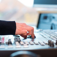 コマーシャルソング制作 Commercial Song 録音スタッフの写真 録音風景