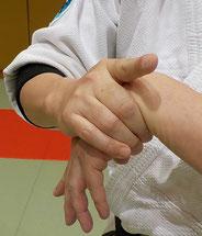 写真 21 手首の柔軟