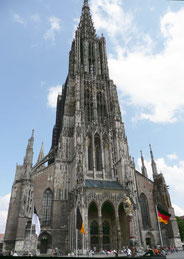 Das Ulmer Münster.      Zum vergrößern ins Bild klicken - Click to enlarge