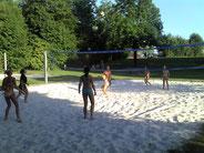 unsere Glücksfeen aktiv im Sand