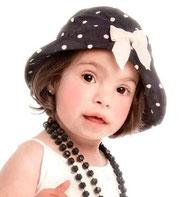 Petite fille atteinte de Trisomie 21