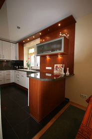 Bild: die moderne Küche in der Ferienwohnung Nr. 13 im Strandpalais Duhnen