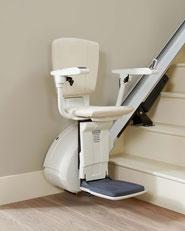 Preis gerader Treppenlift vom Hersteller Thyssenkrupp Accessibility