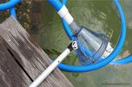 Teichreinigung, Teleskopstange mit Absaugglocke und Schwimmbadschlauch