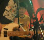 コージー (Drums)