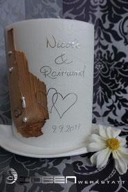 schlichte Hochzeitskerze mit Holz