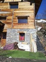 décapge façade chalet, bois, pierre, volets, fenêtres,