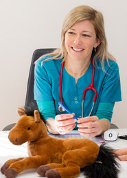 Arzt Kinder Dr. Gabriele Berger Kinderarzt Diabetes Spezialist AKH Kinderklinik Pumpe Sensor CGM CSII