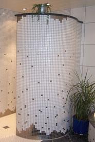 Spritzwassergeschützt und begehbare Duschschnecke