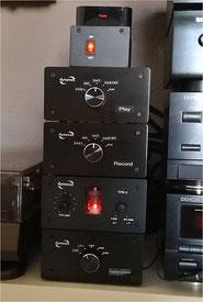 Röhrenvorverstärker DYNAVOX TPR-2 mit separatem Netzteil und 3x Umschalter DYNAVOX AUX-S