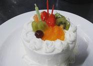 直径12cmから21cmまでホールケーキのオーダーも承ります!