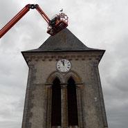 Reparation et demoussage sur le cloché de l'eglise de Mareuil par l'entreprise Tempérault Bruno à Rouillac (16)