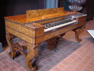 piano forte en loupe d'orme (1834)