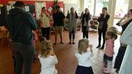 Im Angersbacher Kindergarten wurde höchst konzentriert Origami praktiziert.