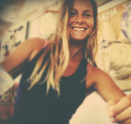 nina gehrke yoga teacher, surfer girl and vegan cooking lover