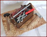 tuto gateau 3D caisse a outils pate a sucre