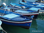 Boote im Hafen von Aci Trezza