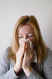 Heuschnupfen niesen