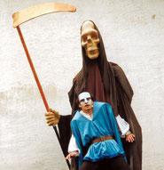 Dämonische Träume ... Großfiguren und Masken