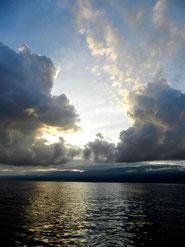 """Tagesanbruch am Meer"""