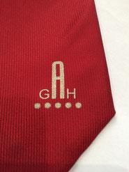 Krawatten Logo im Tampondruck Verfahren, die günstige Lösung für Lagerkrawatten