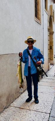Angler mitten in Verona
