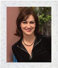 Viktoria. Direttrice, docente di russo.