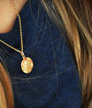 Bild: Goldkettchenanhänger als Geschenk aus AnfängerGlück Stoffschultüte