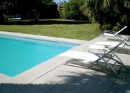 margelle-piscine-pierre